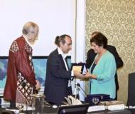 Vincitore del Premio Lerici Pea all'Opera Poetica a Evgenij Aleksandrovič Evtušenko